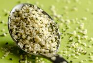 Beneficiile semințelor de CÂNEPĂ pentru sănătate: o linguriță pe zi ține medicul departe
