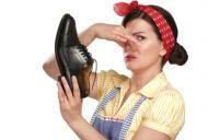 Ce să faci ca să nu-ţi miroasă pantofii