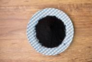 Cum îți detoxifici organismul cu lămâie și cărbune activ