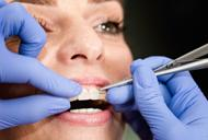 Aparatul dentar din safir