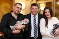 http://acibadem.com.ro/au-fost-protagonistii-unui-miracol-rezistand-timp-de-10-saptamani-intr-un-pahar-de-lichid-amniotic/