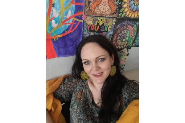 Centrul de Psihoterapie si Dezvoltare Personala - Laura Ciocoiu - Laura_Cabinet.jpg