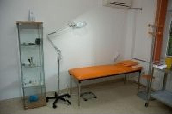 Cutis Med - cabinet2.jpg