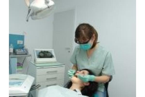 Gloria Dental - 3.jpg