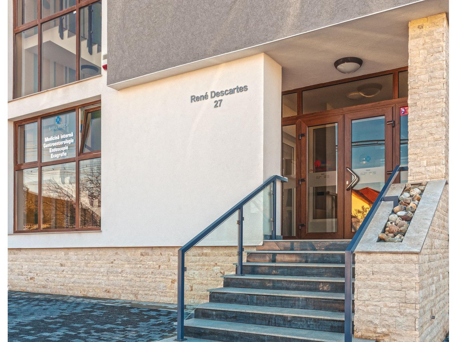 Clinica  VenArt - exterior_10.jpg