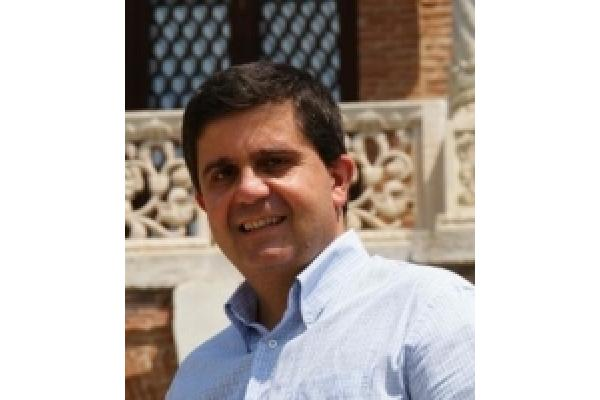 Dr Rares Ignat - Sexologie - Psihoterapie de cuplu & familie - Rares_Ignat_poza_linkedin.JPG