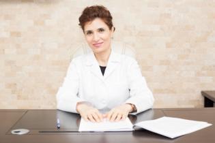 Ș.L. Univ. Dr. Cristina Farcaș, Medic specialist medicină internă - homeopatie