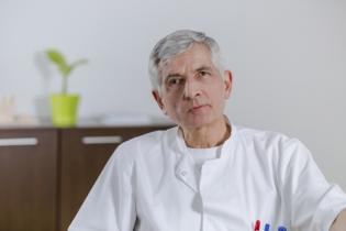 Prof. Univ. Dr. Ion Așchie, Medic primar chirurgie generală