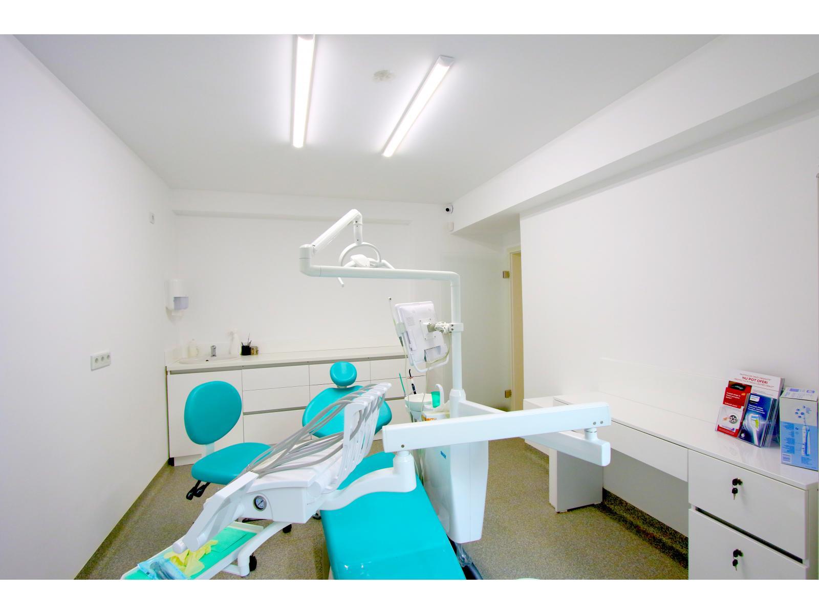 Dental Planet - 8.jpg