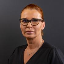 Medic primar, doctor în estetică dentară și competență în implantologie Ada Epistatu