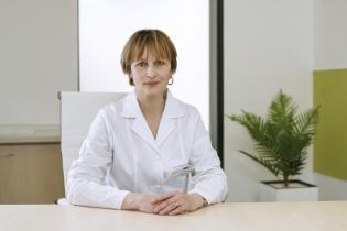 Dr.Nicolescu Iulia, Medic Primar Medicină Internă și Diabet zaharat, nutriție și boli metabolice