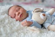 Ce trebuie sa stim despre acneea neonatala?