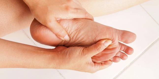 Îți amorțește mâna? Uite ce afecțiuni poți avea! - Articole Medicale