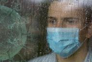 Cum afecteaza coronavirusul persoanele cu anxietate sociala?