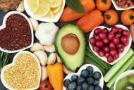 Riscurile si beneficiile dietei raw vegane