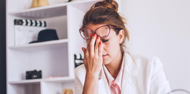 tulburări de vedere ale cefaleei)